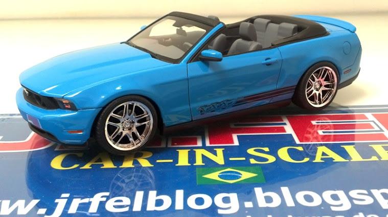 Mustang Conversível 2010 - Revell - SNAP