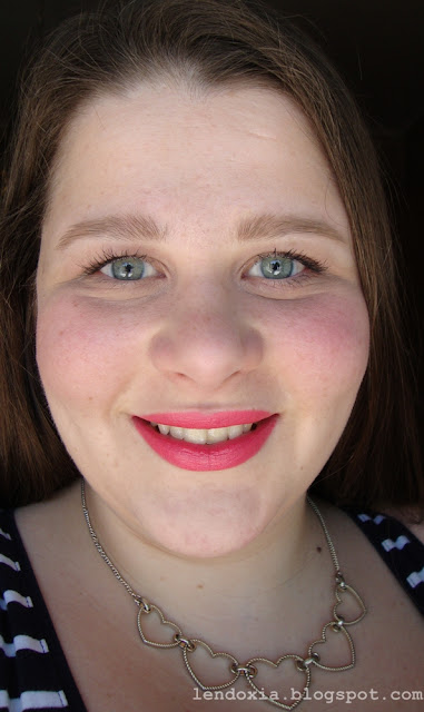 coral lips make up look