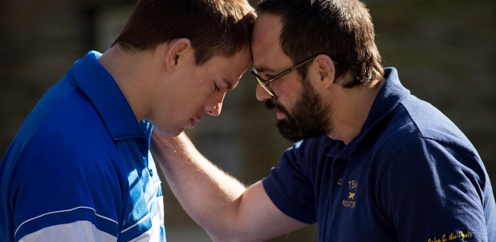 Steve Carell e Channing Tatum em novo trailer do drama psicológico Foxcatcher, de Bennett Miller