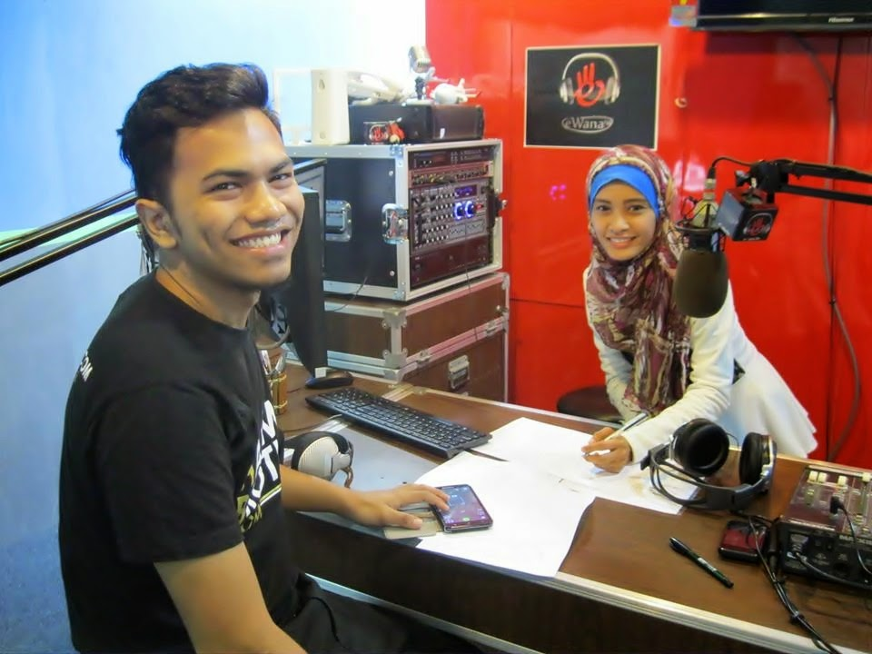 On air eWana.fm