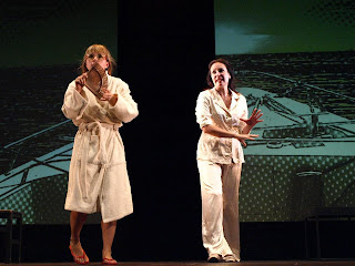 Aitziber Garmendia y Ana Milán