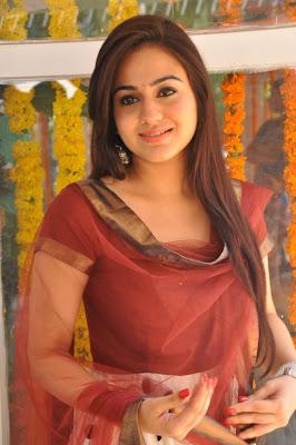aksha hq actress pics