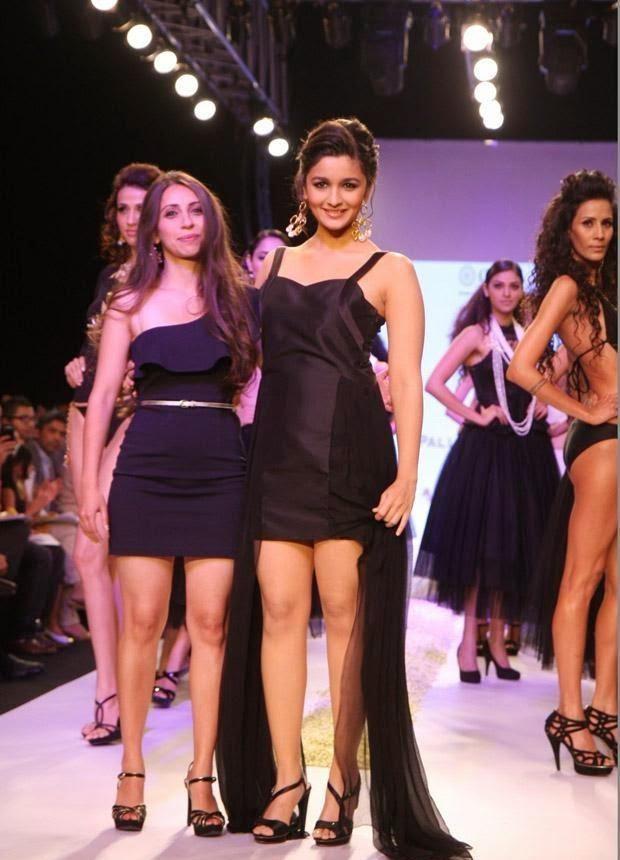 Alia Bhatt's hottest ramp walk latest hot pics in 2013, HD Pics