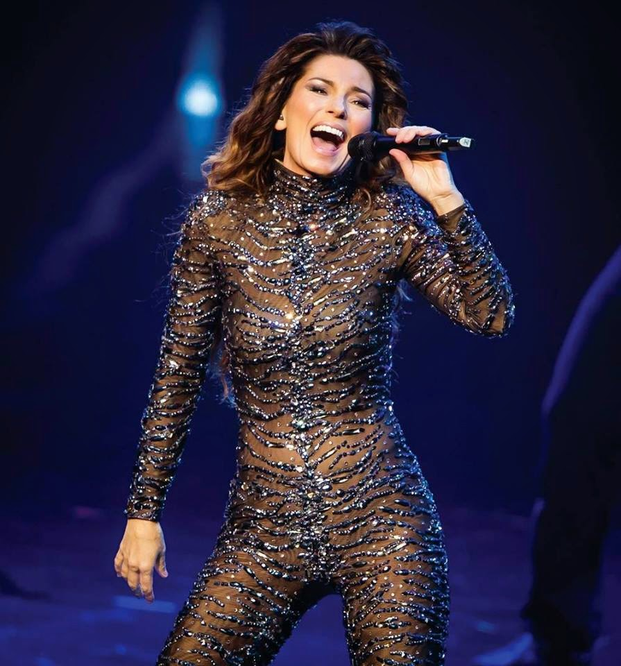 cantareata canadiana Shania Twain cati ani are muzica videoclipuri melodii vechi noi YOUTUBE hituri regina country pop From this moment on