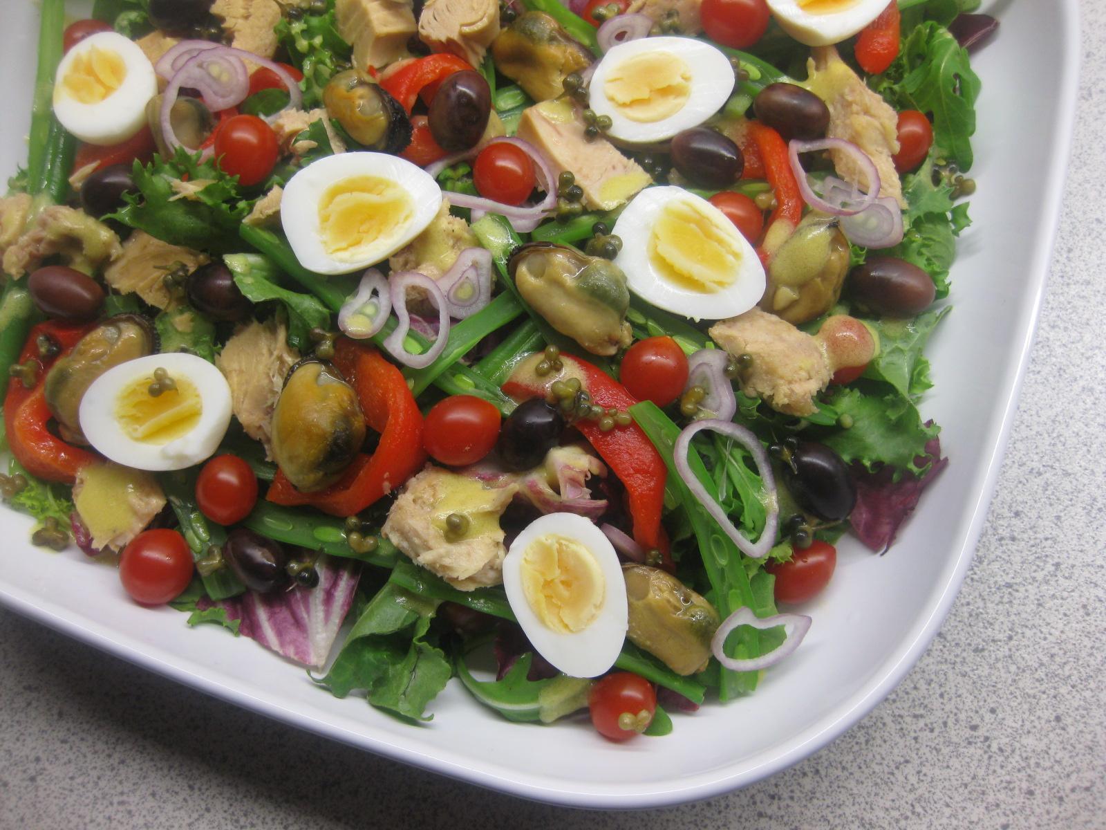 spændende blandet salat
