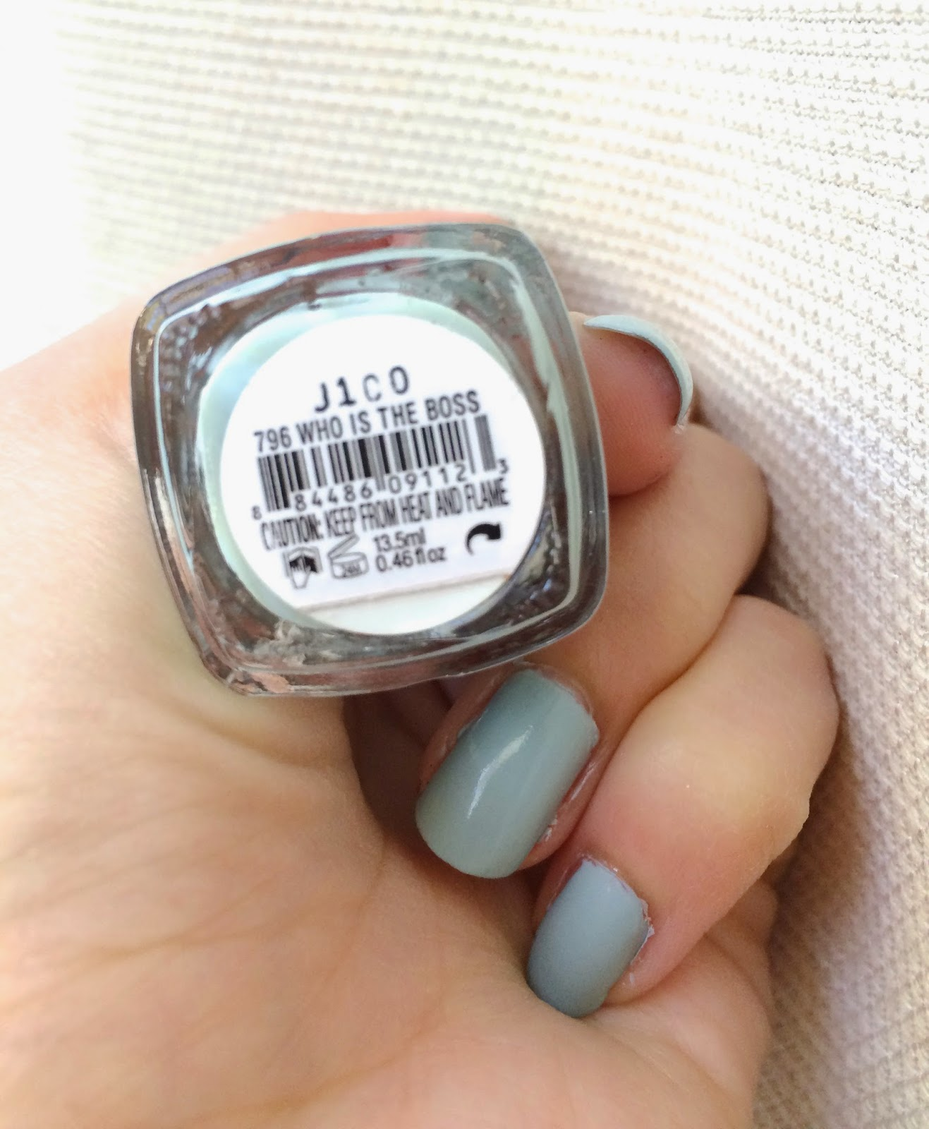 The perfect fall nail color: Essie\'s Who Is The Boss | Petrichor ...