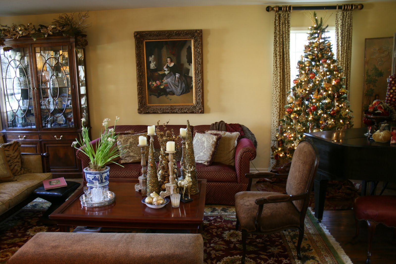 Romancing the home christmas details from jill 39 s home for All in the family living room