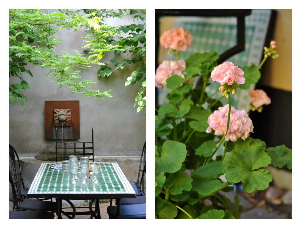 siddeplads terrassen, middelhavsstemning, marokkansk flisebord, mosaikbord, marrokansk mosaikbord