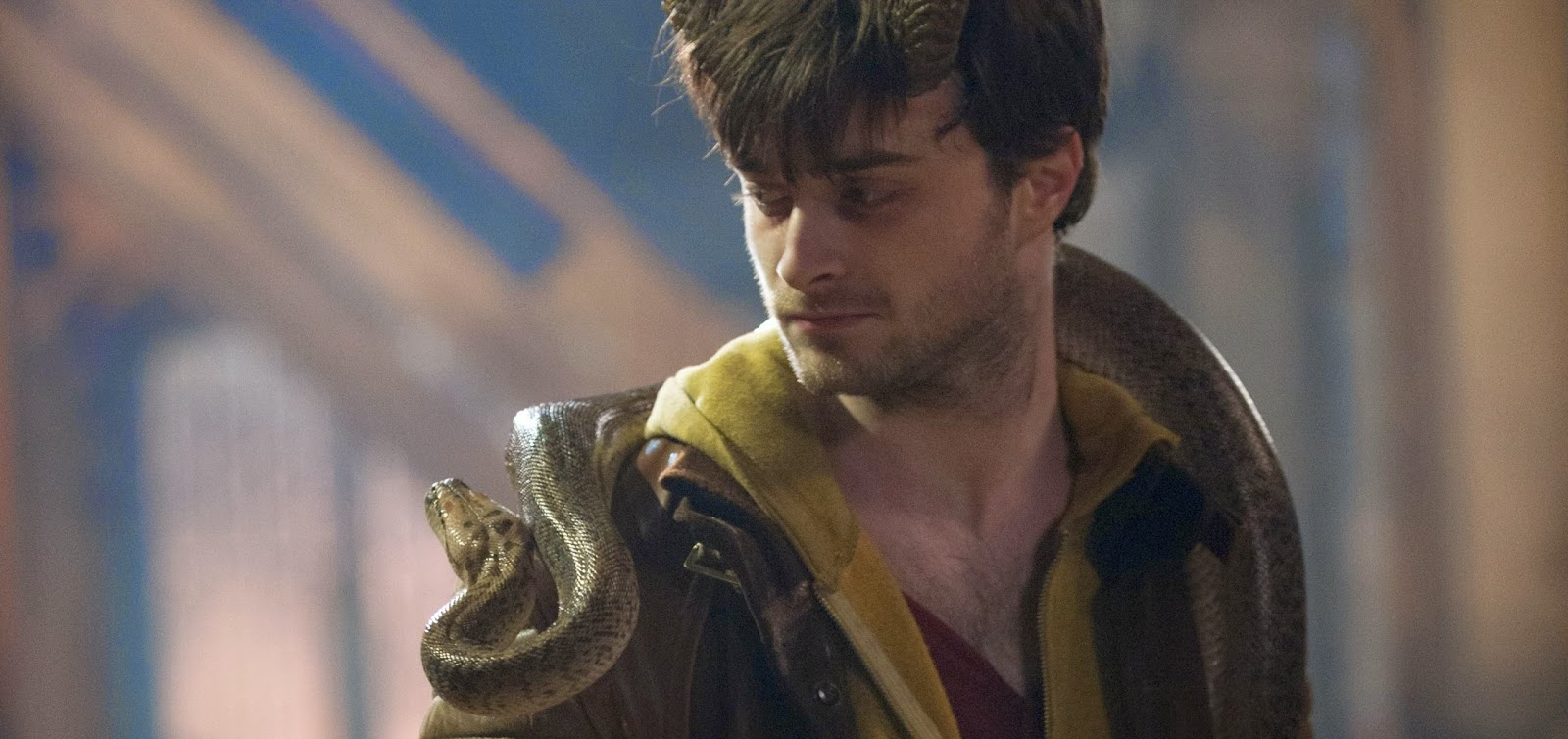 Daniel Radcliffe provoca o caos no trailer completo do thriller sobrenatural HORNS