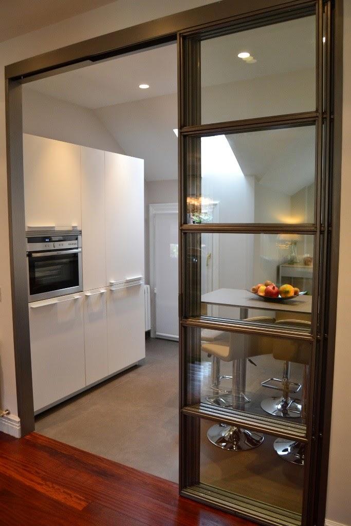 La cocina semiabierta una ventajosa elecci n cocinas for Puertas semi macizas blancas