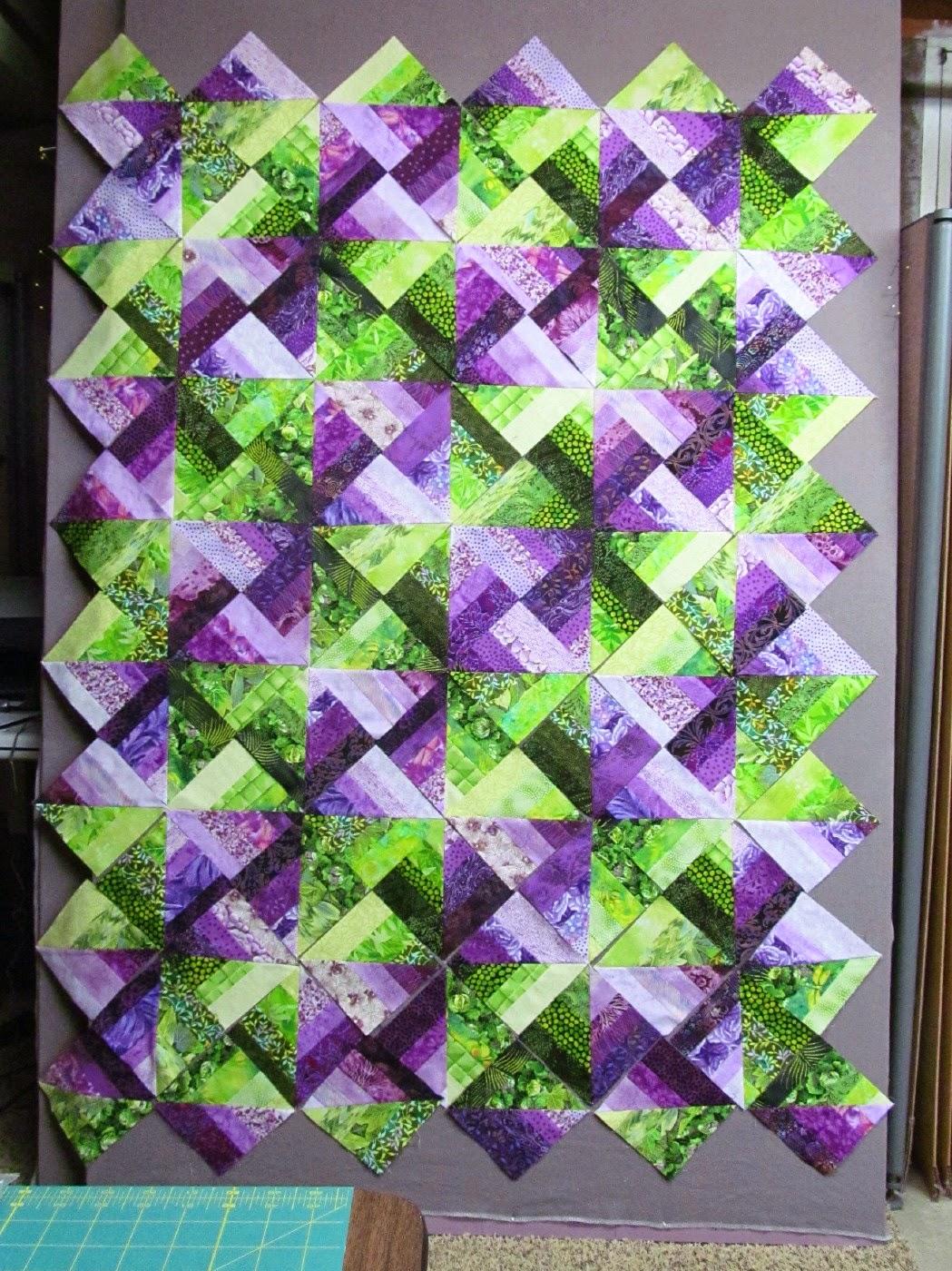 http://2.bp.blogspot.com/-PdHGZuestB4/VPFD1UG93-I/AAAAAAAAY-Y/w6U_XuXHlws/s1600/purple%2Bgreen%2Bstrips%2Bt%2Bsiz.jpg