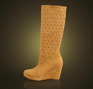 foto cu cizme perforate cu talpa ortopedica