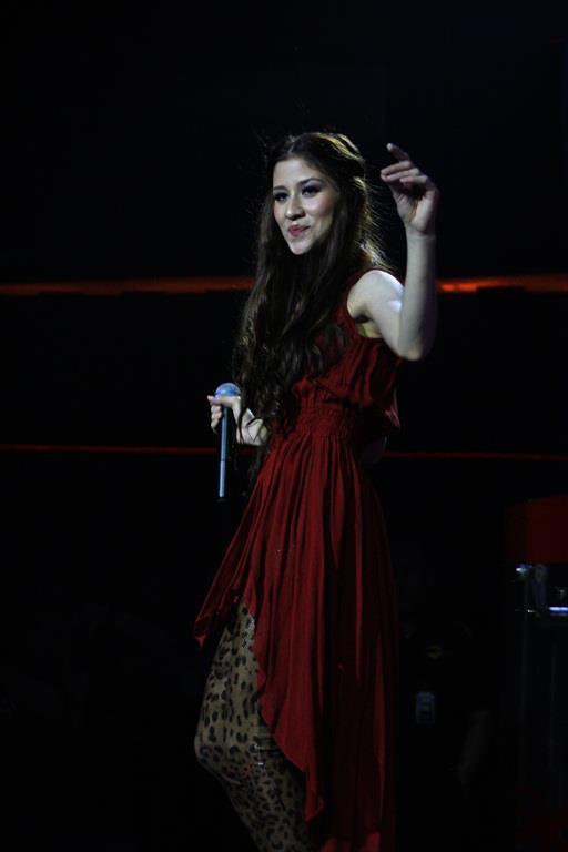 Foto Millane Fernandez Live Concert  Crown, Jakarta