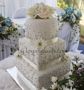 3tiers Fondant Wedding Cake