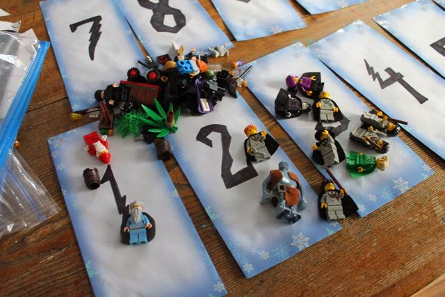 DIY Lego Harry Potter Advent Calendar / Countdown to Christmas via ericvr.com