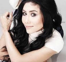 penyanyi ella