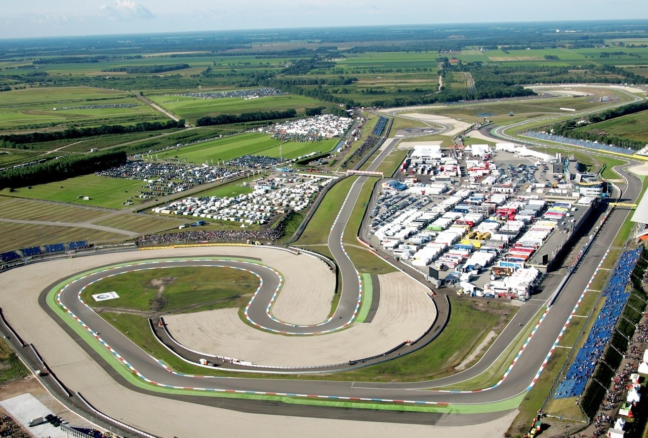 Circuito Brno Motogp : Champion helmets the motogp circuits around the world