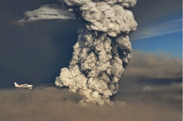 Gambar Gunung Berapi Bardarbunga mula meletus