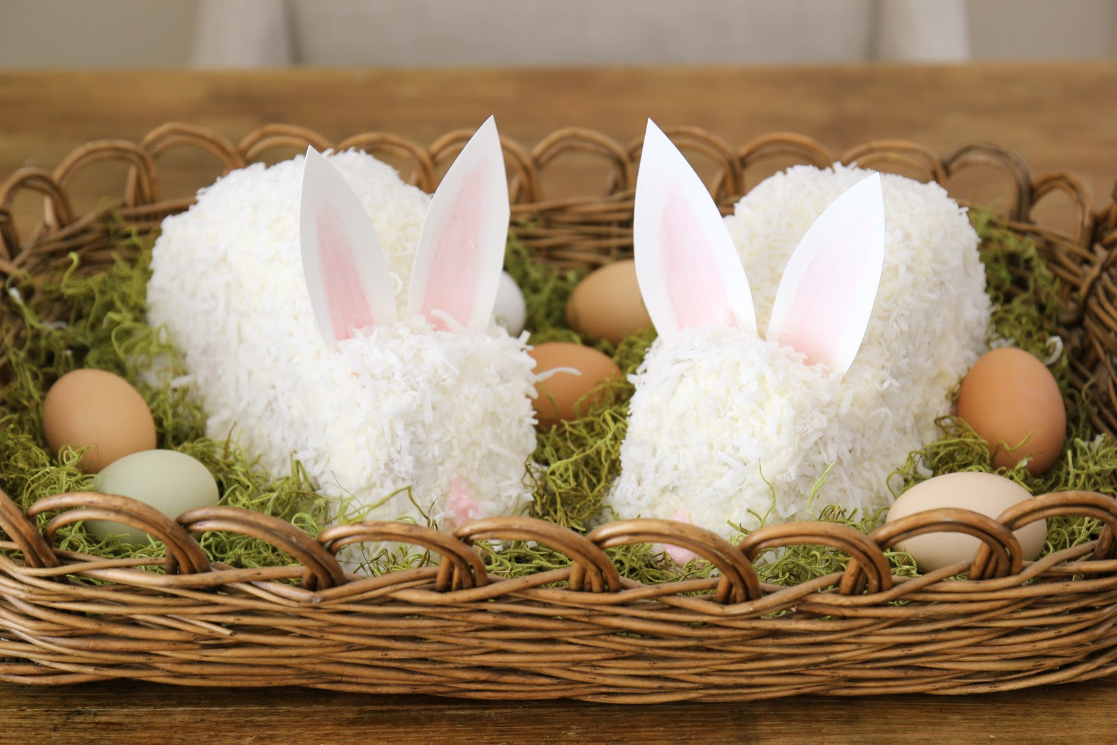 Images For Rabbit Cakes : Jenny Steffens Hobick: Easter Bunny Cake Continuing ...