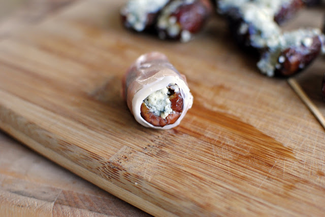 Prosciutto Wrapped Gorgonzola Stuffed Dates l SimplyScratch.com