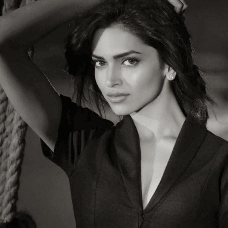 Deepika Padukone black and white pics