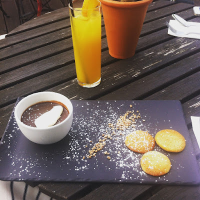 Salted Caramel and Chocolate Pot with butter Biscuits