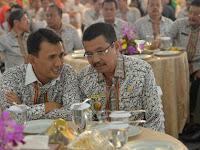 Gubsu Gatot Pujo Nugroho Tersangka, Pak Tengku Tersenyum Lebar