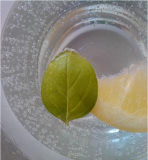 napój bazyliowo-cytrynowy