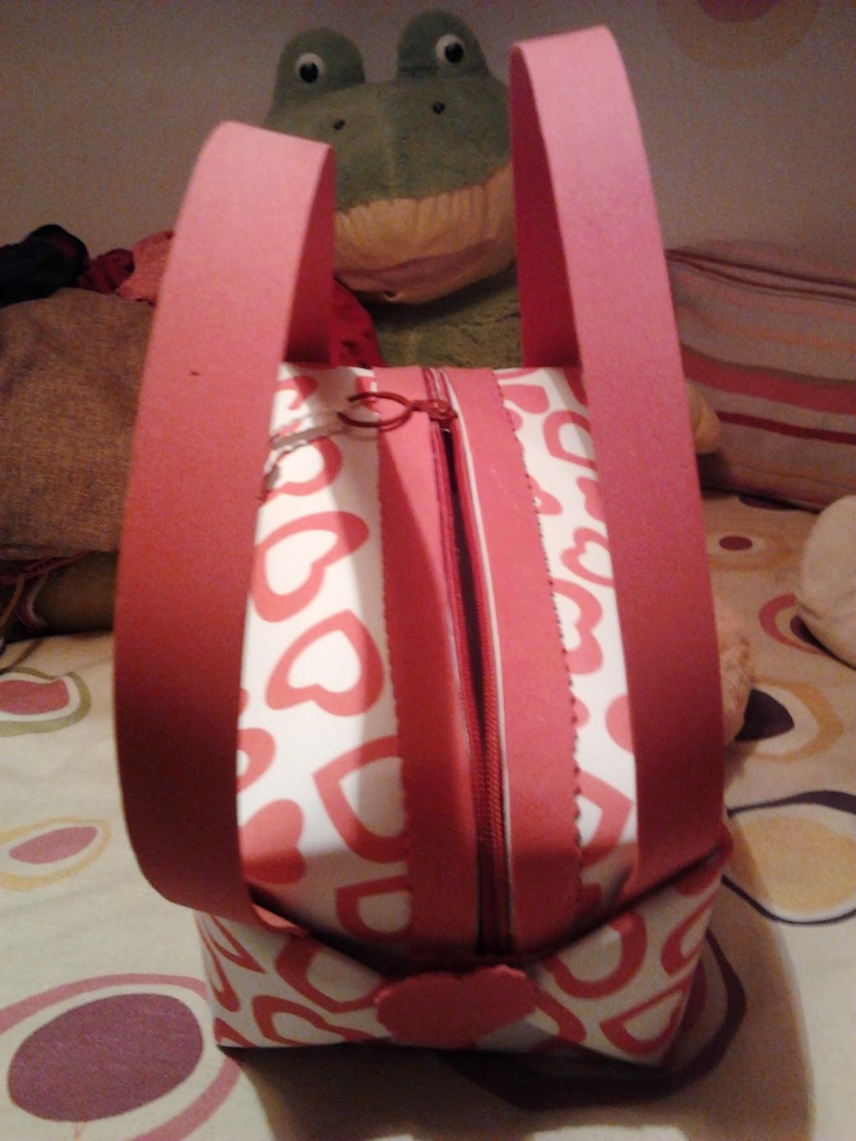 mis manualidades peque os regalos de goma eva para ni os On regalos pequeños