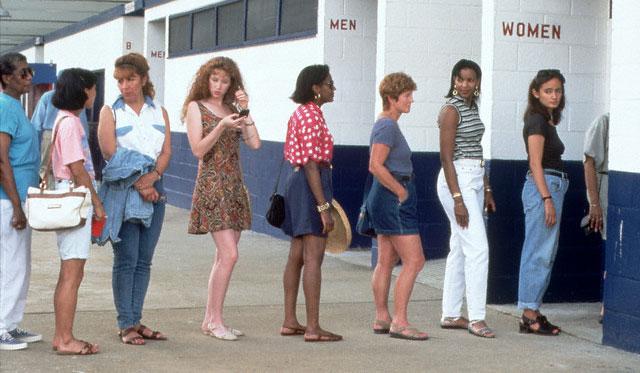Rosa blu perche le donne vanno sempre in 2 al bagno - Donne al bagno pubblico ...