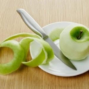 Cara menumbuhkan rambut secara alami yang sudah botak dengan menggunakan Kulit apel