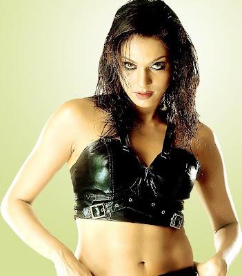Isha Koppikar sexy picture