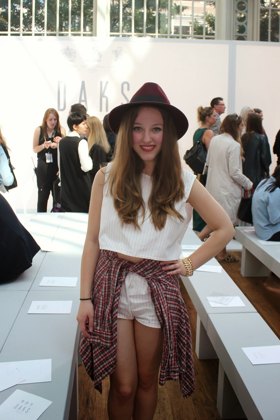 london-fashion-week-2014-lfw-DAKS-show-catwalk-spring-summer-2015-clothes-fashion-royal-opera-house-dress-girl-hat-twosie-shirt-OOTD