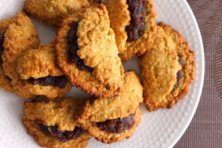 recipe: oatmeal date walnut cookies [7]