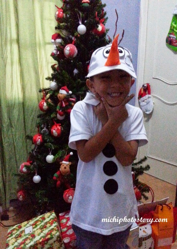 Michi photostory december 2014 my son was happy with our diy olaf hat costume solutioingenieria Choice Image