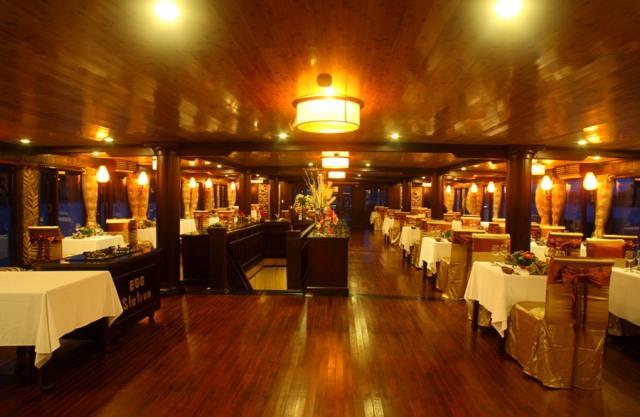 Restaurant - Victory Star Cruise
