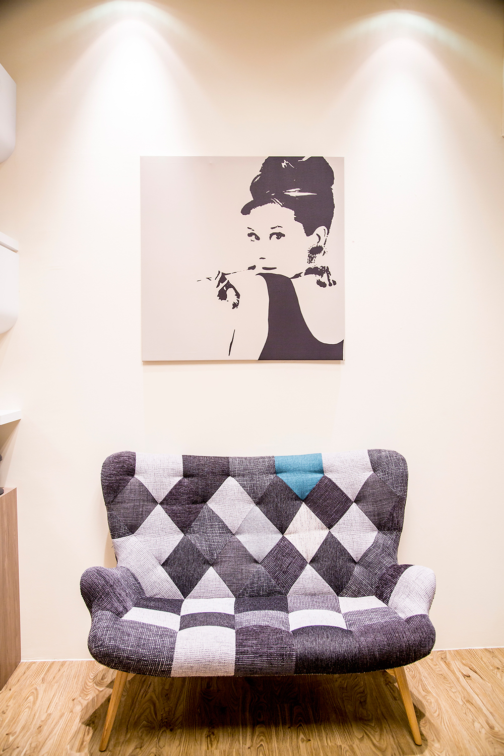 Crystal Phuong- Singapore Beauty Blog- Bejeweled Facial Spa Interior 2