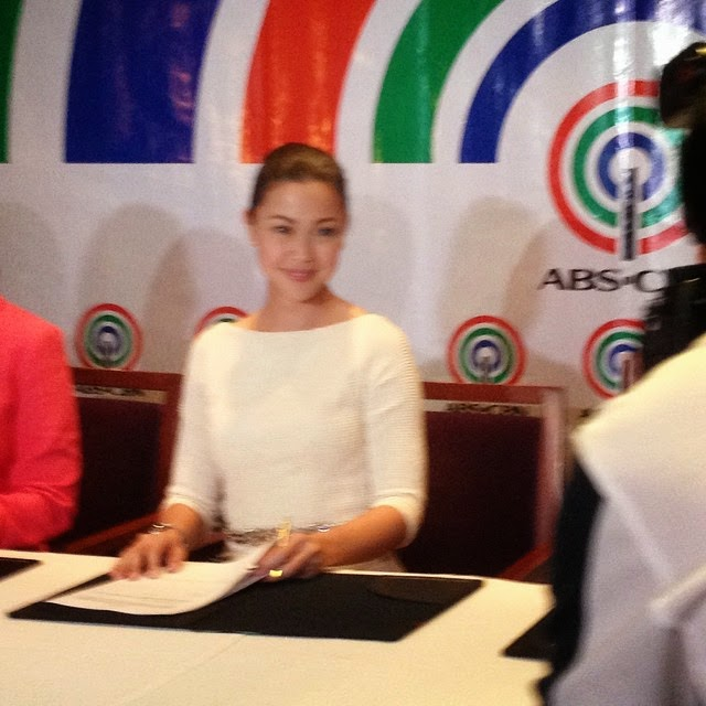 Jodi Sta Maria renews contract with ABS-CBN