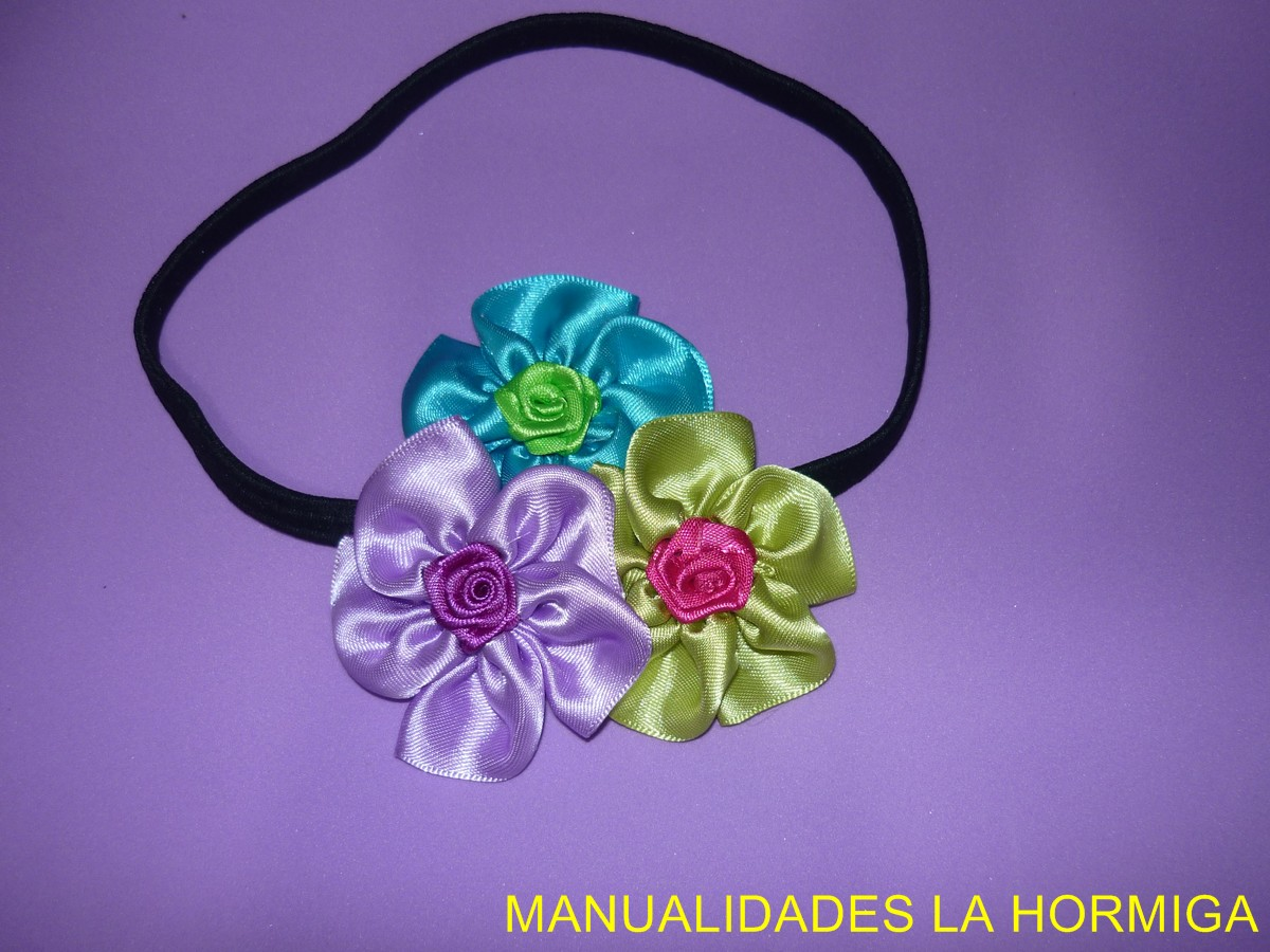 Hacer Flores Con Lazo Awesome Como Hacer Flores Flores De Cinta  ~ Lazos De Cinta De Raso Paso A Paso