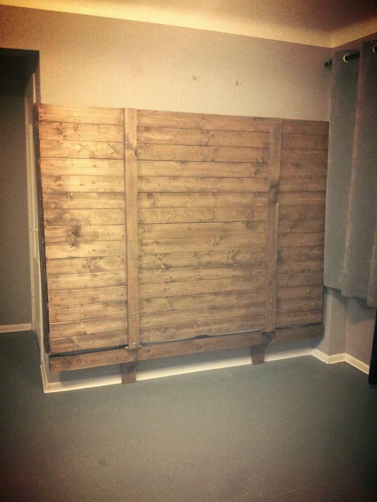 Cama abatible realizada con palets - Camas plegables de pared ...