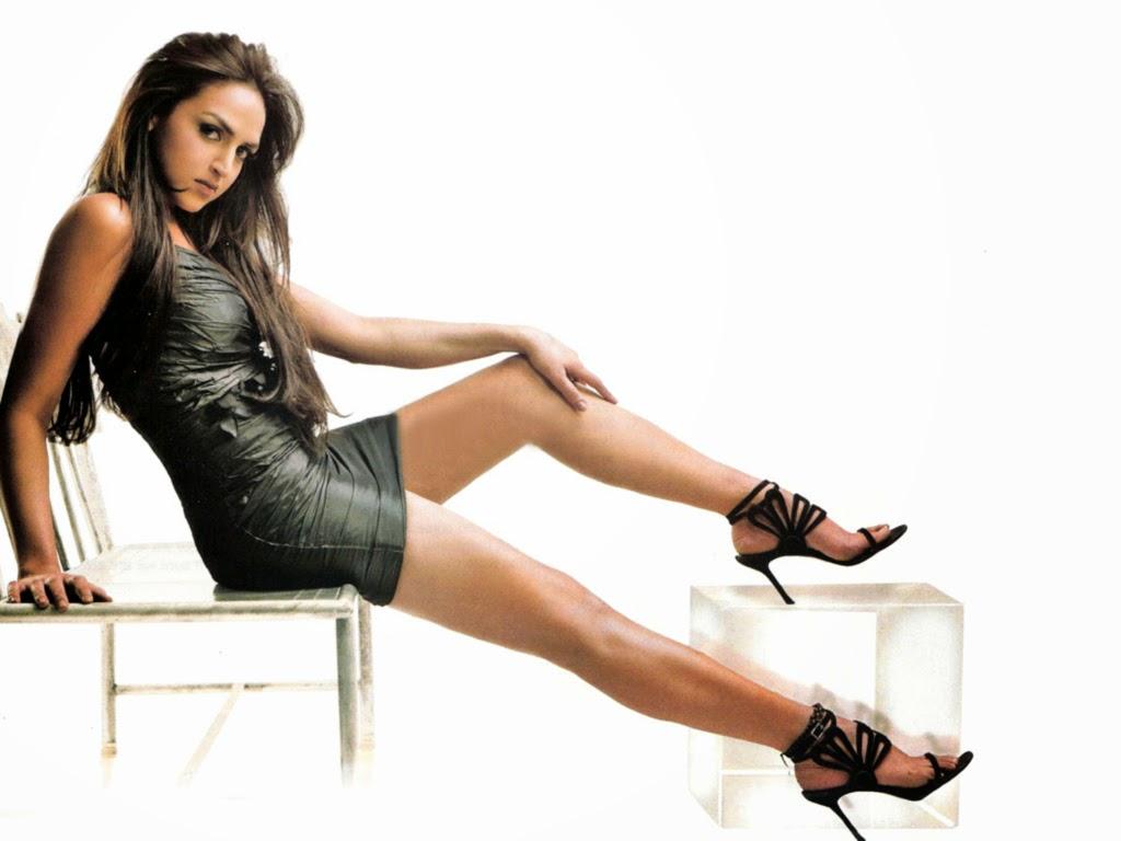 Esha Deol's Unseen Sizzling Hot Pics [HD Hot Pics Gallery]