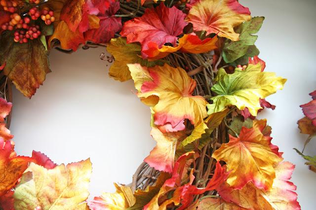 Венок из искусственных листьев своими руками 168