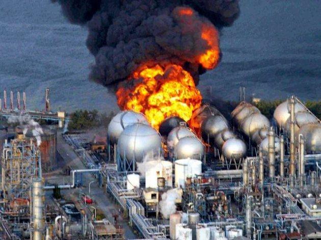 http://2.bp.blogspot.com/-PgjpRIlCQig/TX4DPTac8DI/AAAAAAAAB7k/9Tjsq5-XgV4/s1600/Fukushima%2BDaiichi%2BNuclear%2BPlant.jpg