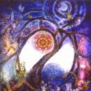 Radiocuento: Dibujo de árbol luminoso en una noche de luna