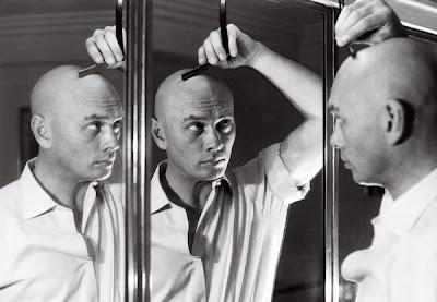 http://2.bp.blogspot.com/-PhAK6ZTG7-4/UkBr5nBSL7I/AAAAAAACuuk/HdI8qkxEI0w/s1600/balding-with-style-lead.jpg