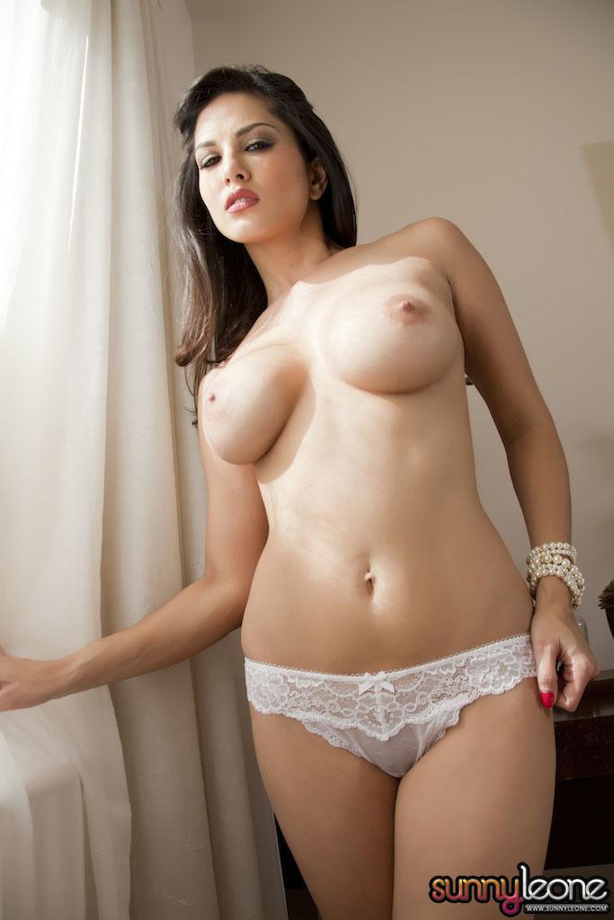 www.celebtiger.blogspot.com Sunny+Leone+ +White+BikIni+(32) Sunny Leone Indian Pornstar Posing Nude In White Lingerie HQ Photos