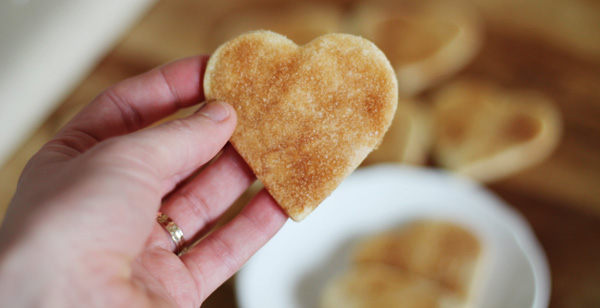 how to make heart shaped snickerdoodles