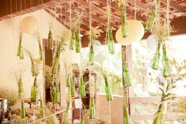decoracao casamento garrafas de vidro: com copos americanos no lugar das garrafas e com velas dentro