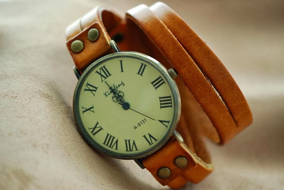 Amazing Leather Wrap Woman Watch