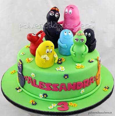 torta barbapapà con i personaggi tridimensionali in pasta di zucchero per i 3 anni di una bimba